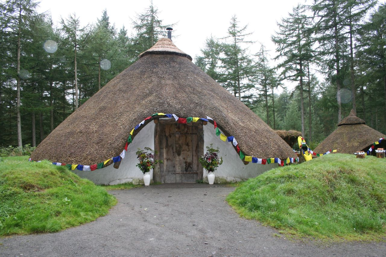 A Brave Couple Decided To Have An Outdoor Wedding In Scotland September Wood Beautiful Setting Of Mabie Forest Complete With Roundhouse Case
