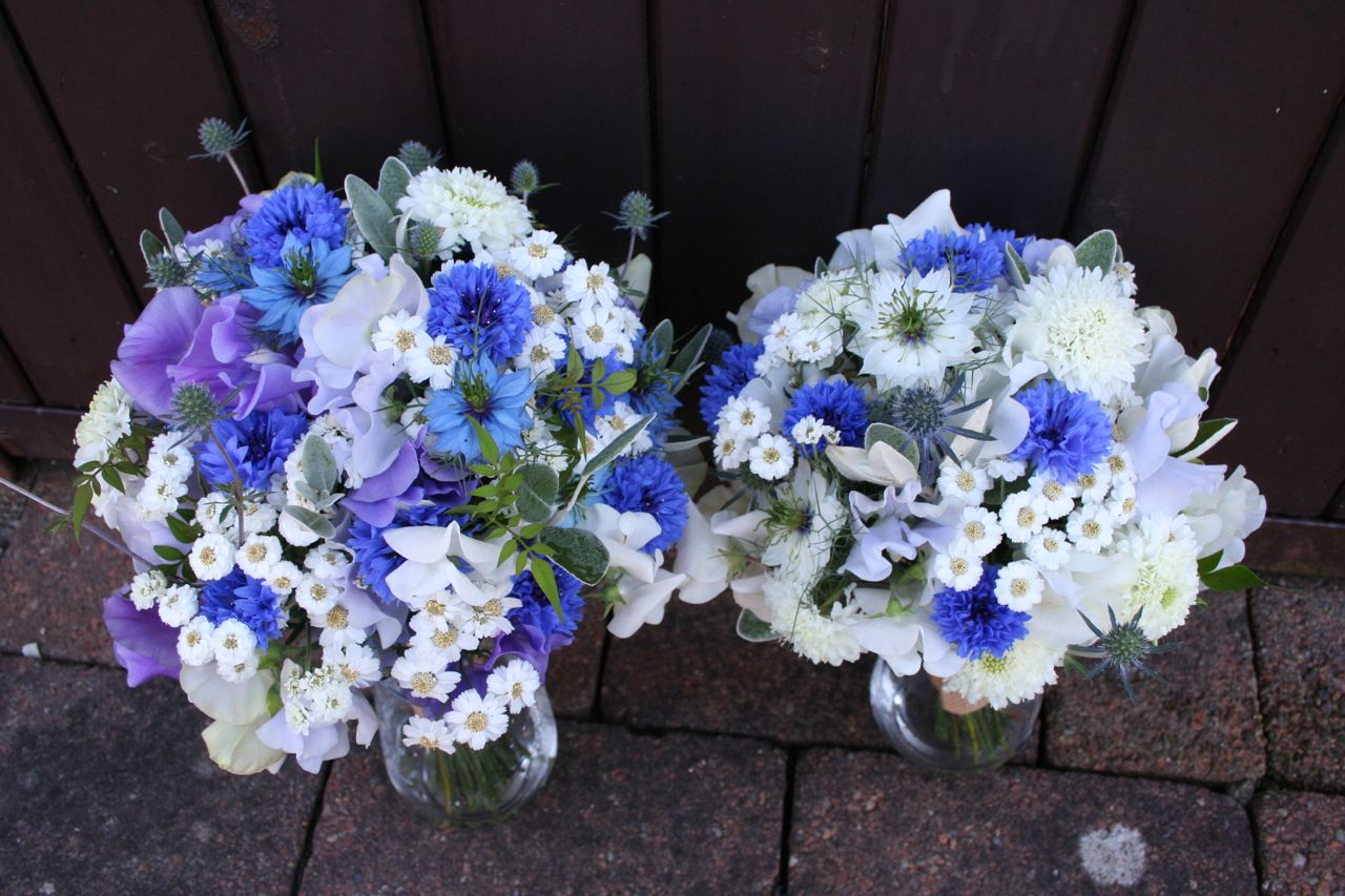 Natural scottish wedding flowers july mayfield flowers in july on a wonderfully blue sky day i headed over to wemyss bay ferry terminal to hand over bridal party bouquets there was about a 10 min window for izmirmasajfo Choice Image